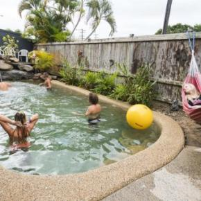 Хостелы - Castaway's Backpackers Cairns