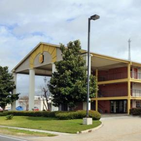 Youth Hostels - Super 8 - Airport New Orleans