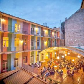 Youth Hostels - Casa de la Musica