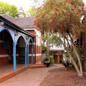 Hostels - Coolibah Lodge