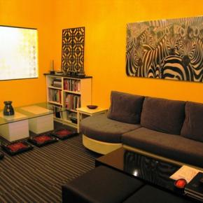 Youth Hostels - Moni Gallery Hostel