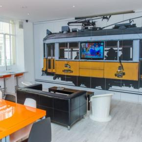 Хостелы - Golden Tram 242 LISBON Hostel