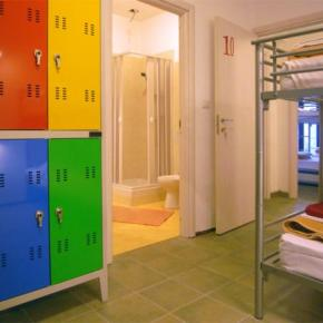 Youth Hostels - Hostel Colours