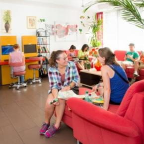 Хостелы - a&t Holiday Hostel