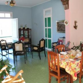 Youth Hostels - Hostal Panorama Familia Linares