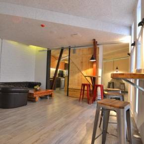 Youth Hostels - Far Home Atocha