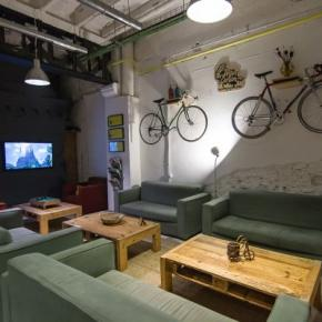 Youth Hostels - Bed & Bike Barcelona