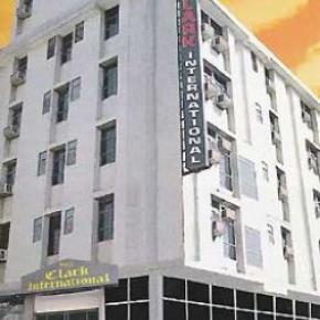 Youth Hostels - Hotel Clark International