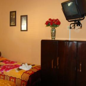 Youth Hostels - Raulito's Lodging