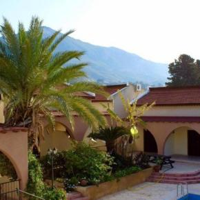 Hostels - Five Fingers Holiday Bungalows