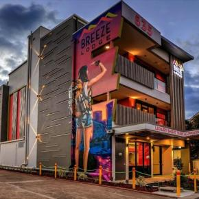 Youth Hostels - Breeze Lodge