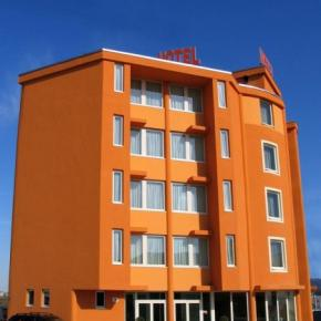 Youth Hostels - Hotel Verdina