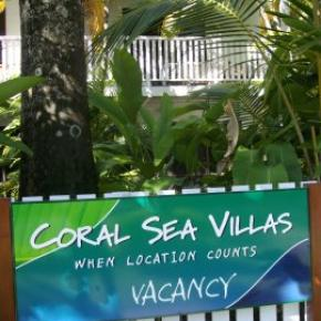 Youth Hostels - Coral Sea Villas