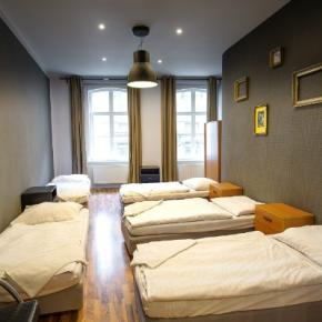 Youth Hostels - Joy Spot Apartments