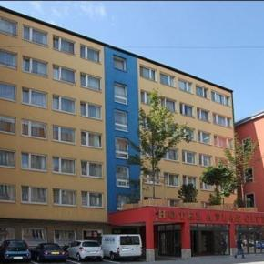 Youth Hostels - Atlas City Hotel