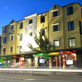 Youth Hostels - Base Queenstown