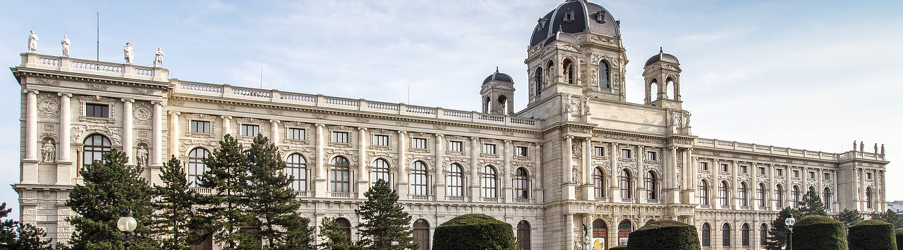 Vienna – Hostels close to Naturhistorisches Museum. Maps for Vienna, Photos and Reviews for each hostel in Vienna.