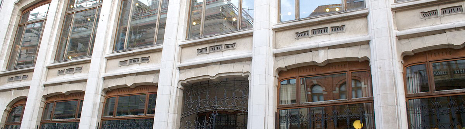 Brussels – Apartments close to Belgian Centre for Comic Strip Art. Maps of Brussels, Photos and Reviews for each Apartment in Brussels.