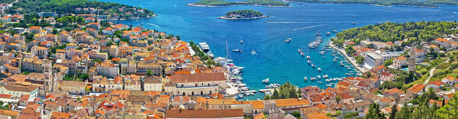 Hvar – Student accommodations, hostels and coworking spaces in Hvar (Chorvatsko). Maps of Hvar, photos and reviews for each place in Hvar.