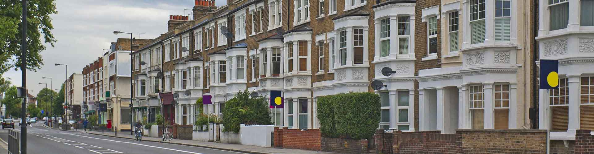 London – Hotels in Fulham. Maps of London, Photos and Reviews for each Hotel in London.