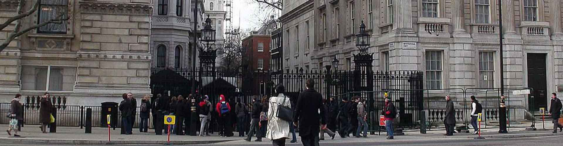 London – Hostels close to 10 Downing Street. Maps for London, Photos and Reviews for each hostel in London.