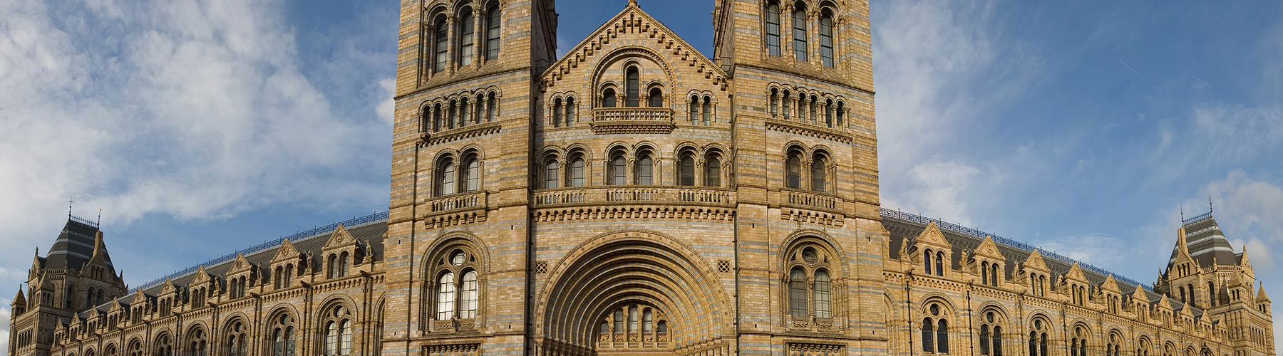 London – Hostels close to Natural History Museum. Maps for London, Photos and Reviews for each hostel in London.