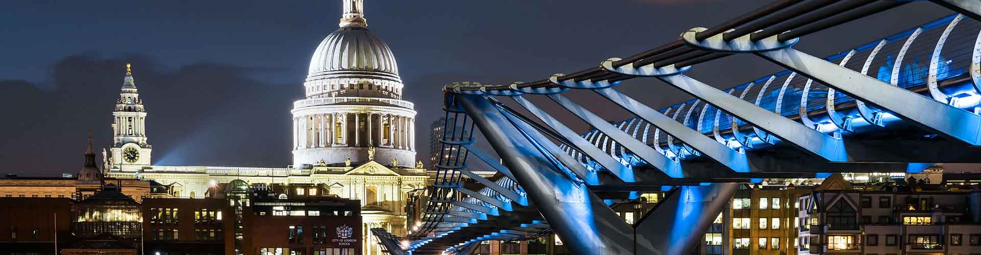 London – Hotels close to St Paul's Cathedral. Maps of London, Photos and Reviews for each Hotel in London.