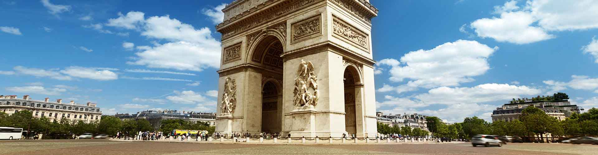 Paris – Hostels close to Arc de Triomphe. Maps of Paris, Photos and Reviews for each Hostel in Paris.