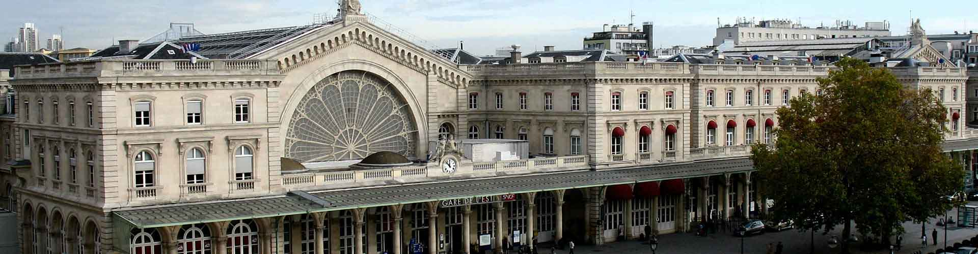 Paris – Apartments close to Gare de l'Est railway station. Maps of Paris, Photos and Reviews for each Apartment in Paris.