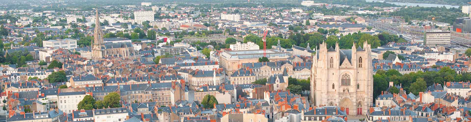 Nantes – Hostels in City Centre. Maps of Nantes, Photos and Reviews for each Hostel in Nantes.