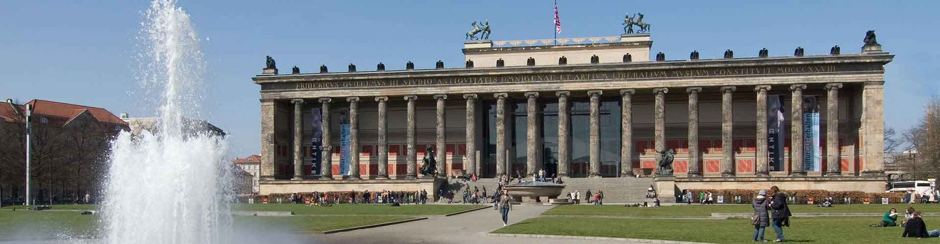 Berlin – Apartments close to Altes Museum and Pergamon-Museum. Maps of Berlin, Photos and Reviews for each Apartment in Berlin.