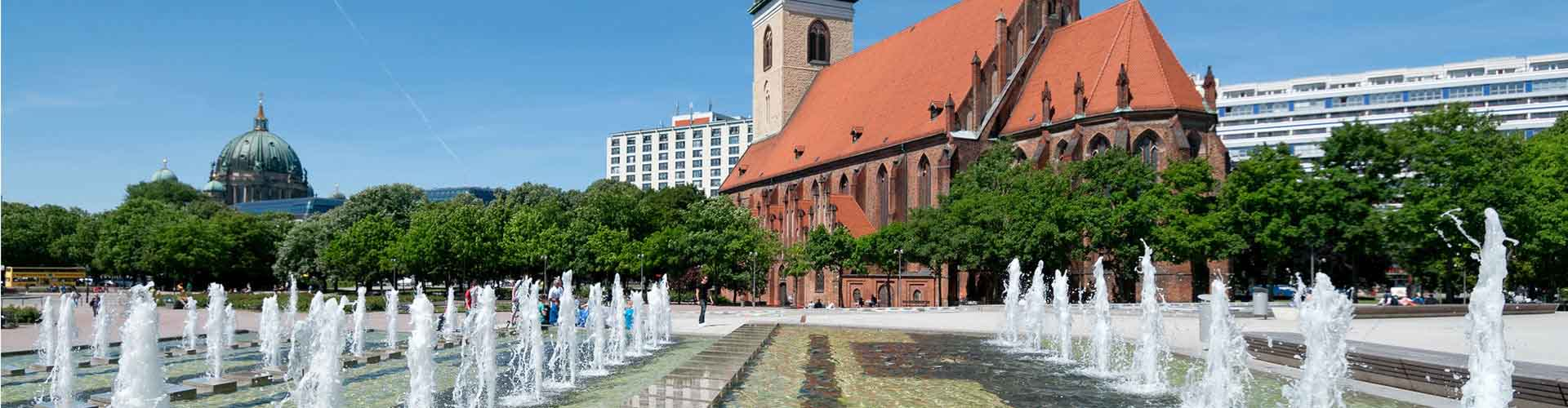 Berlin – Apartments close to Marienkirche. Maps of Berlin, Photos and Reviews for each Apartment in Berlin.