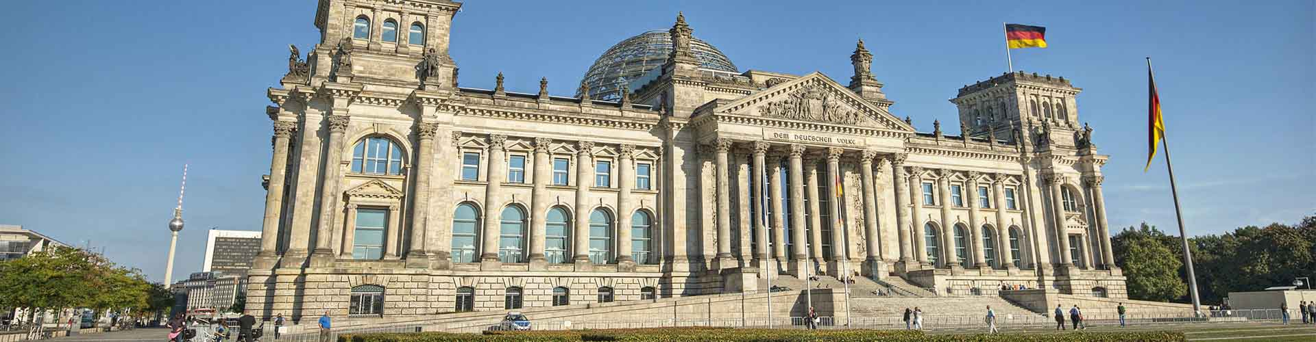 Berlin – Cheap Rooms close to Reichstag Building. Maps of Berlin, Photos and Reviews for each cheap room in Berlin.