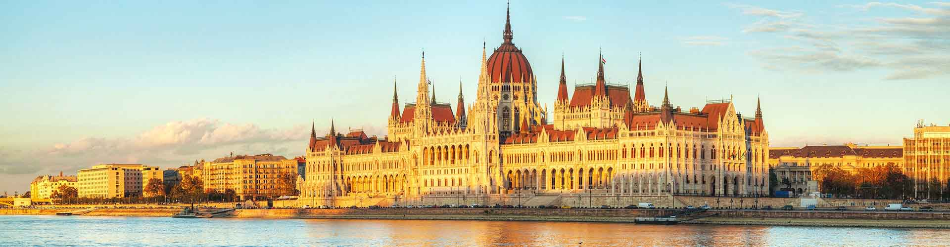 Budapest – Hostels in Budapest. Maps for Budapest, Photos and Reviews for each hostel in Budapest.