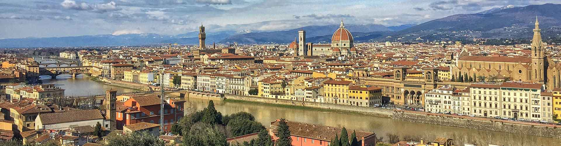 Florence – Cheap Rooms in Duomo - Oltrarno. Maps of Florence, Photos and Reviews for each cheap room in Florence.