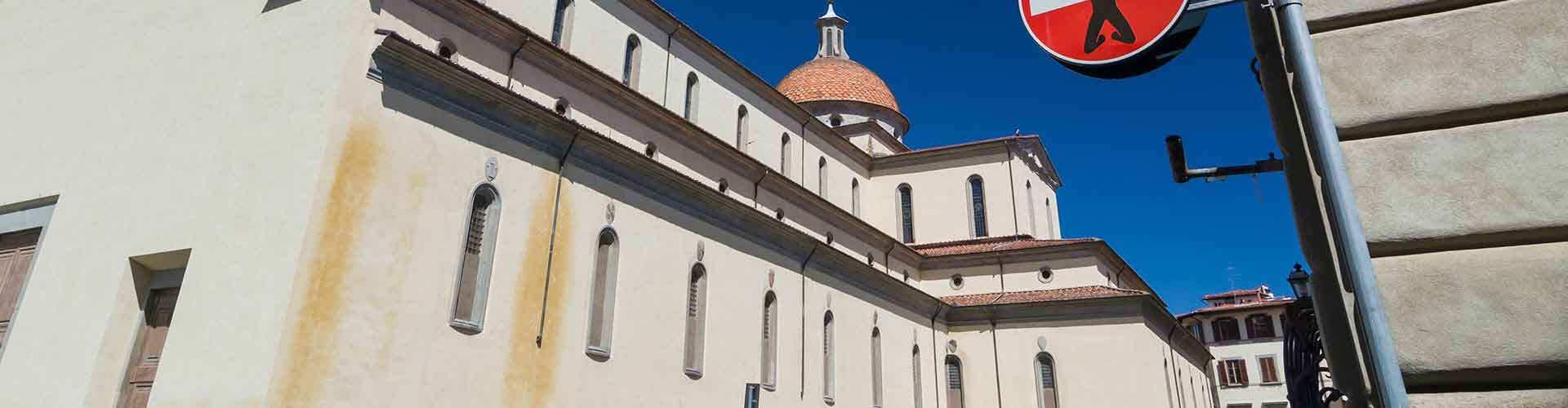 Florence – Hostels in the Santo Spirito district. Maps for Florence, Photos and Reviews for each hostel in Florence.