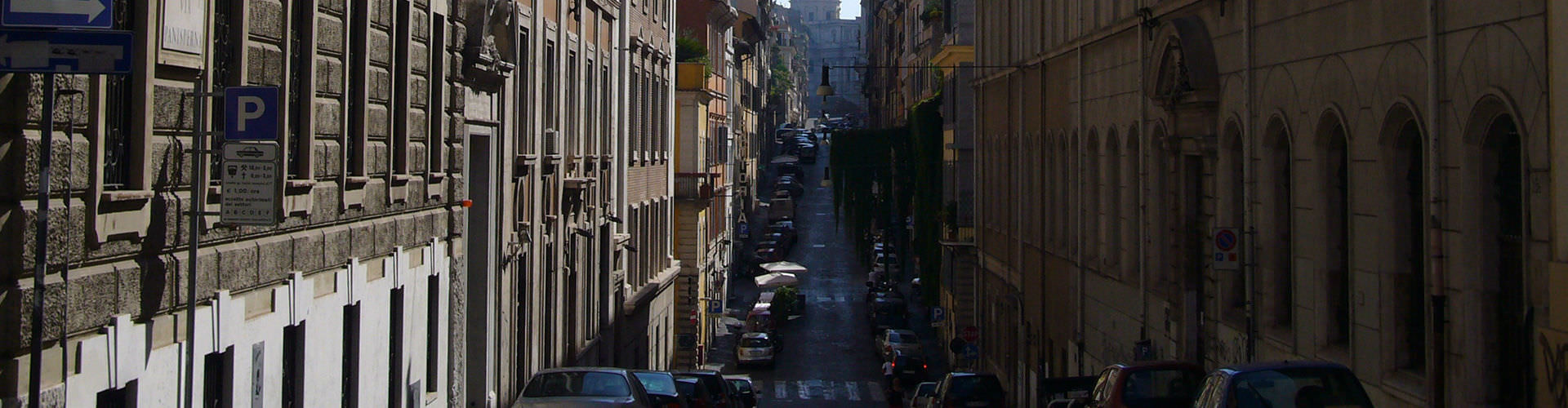 Rome – Apartments in Monti. Maps of Rome, Photos and Reviews for each Apartment in Rome.