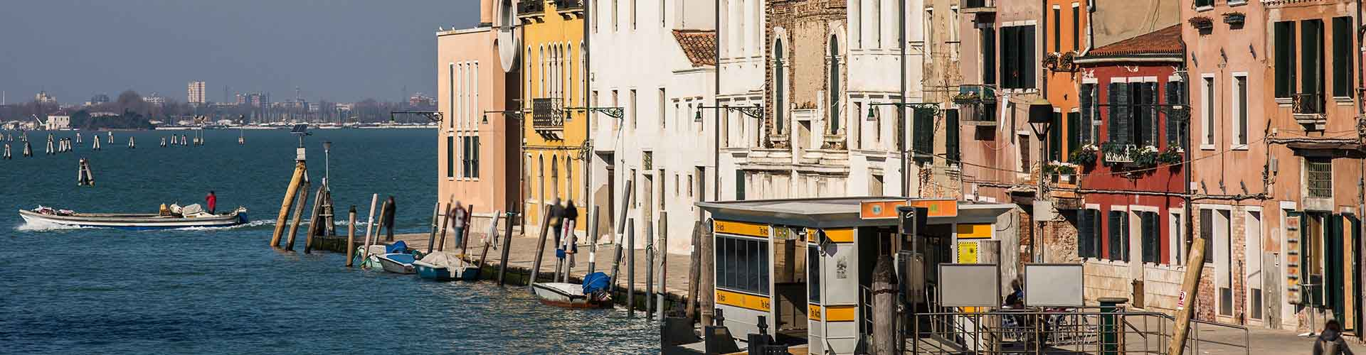 Venice – Hotels in Sestiere Cannaregio. Maps of Venice, Photos and Reviews for each Hotel in Venice.