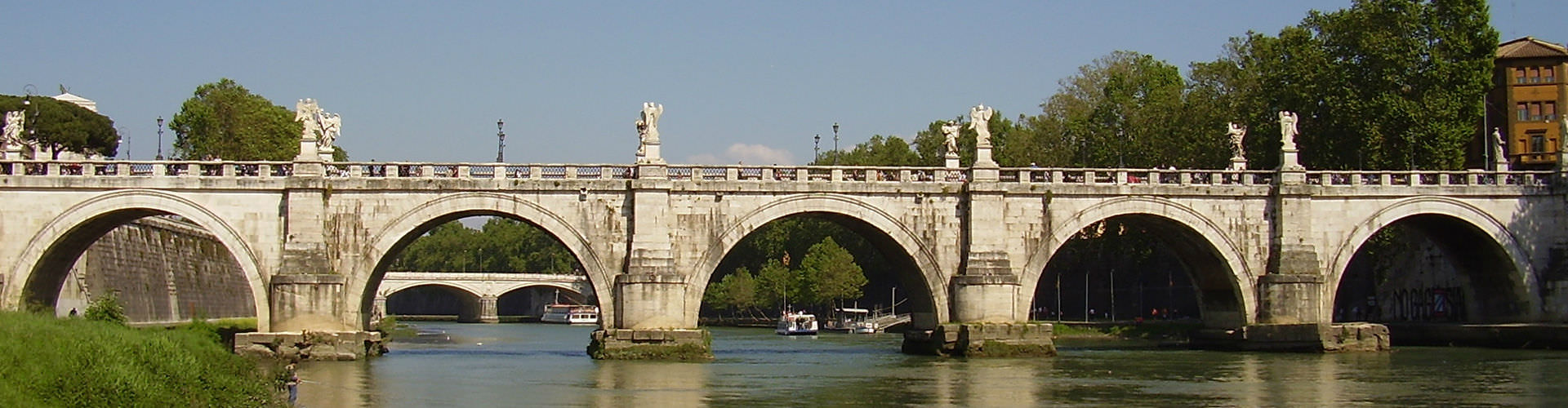 Rome – Camping close to Ponte Sant'Angelo. Maps of Rome, Photos and Reviews for each camping in Rome.