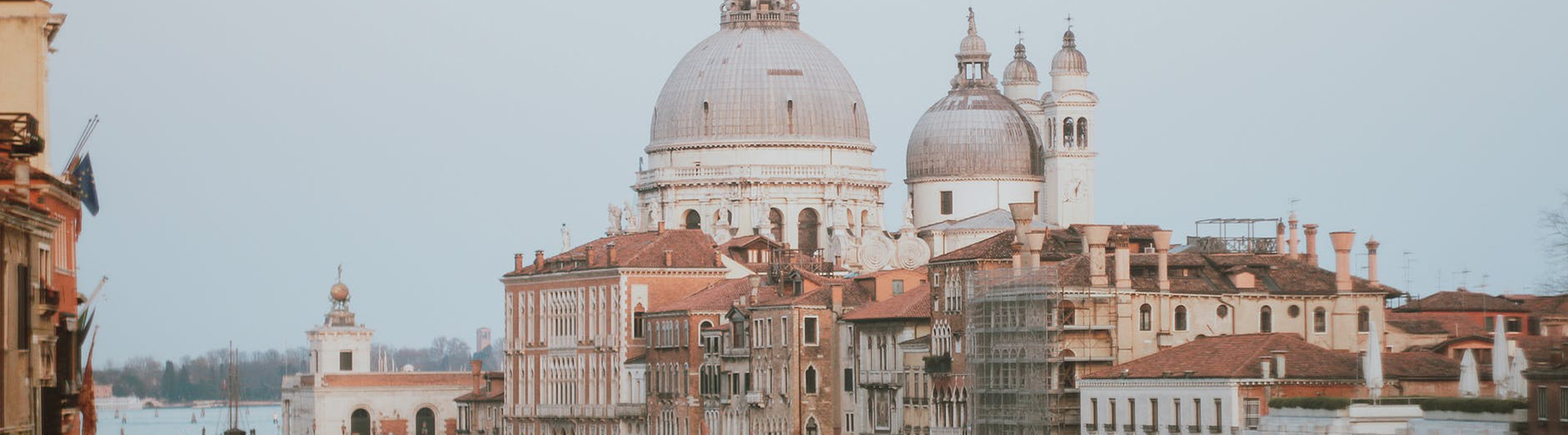 Venice – Hostels close to City Center. Maps for Venice, Photos and Reviews for each hostel in Venice.