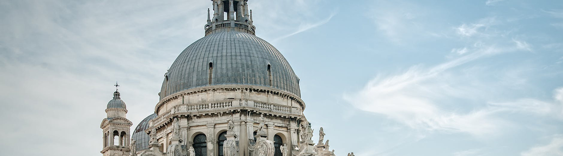 Venice – Hostels close to Santa Maria della Salute. Maps for Venice, Photos and Reviews for each hostel in Venice.