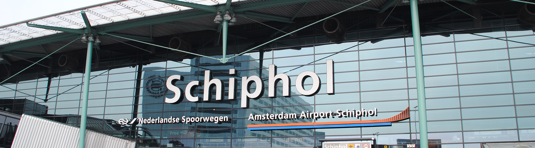 Amsterdam – Hostels close to Amsterdam Airport Schiphol. Maps for Amsterdam, Photos and Reviews for each hostel in Amsterdam.