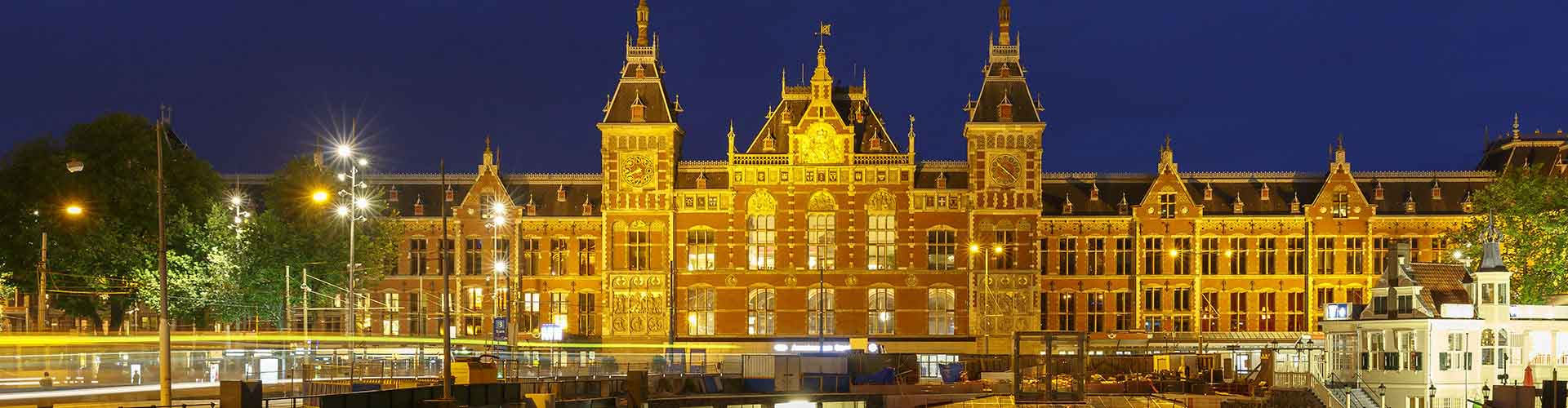 Amsterdam – Hostels close to Amsterdam Centraal railway station. Maps for Amsterdam, Photos and Reviews for each hostel in Amsterdam.