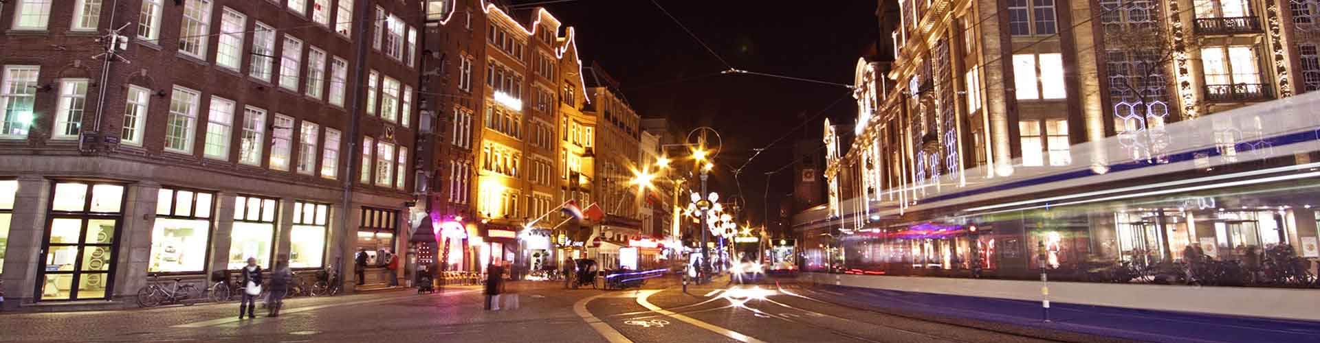 Amsterdam – Hostels close to Dam Square. Maps for Amsterdam, Photos and Reviews for each hostel in Amsterdam.