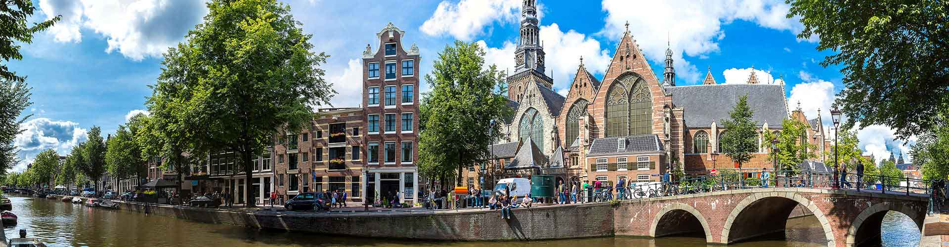 Amsterdam – Hostels close to Oude Kerk. Maps for Amsterdam, Photos and Reviews for each hostel in Amsterdam.