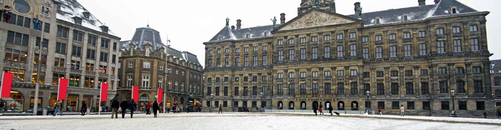 Amsterdam – Hostels close to Royal Palace. Maps for Amsterdam, Photos and Reviews for each hostel in Amsterdam.
