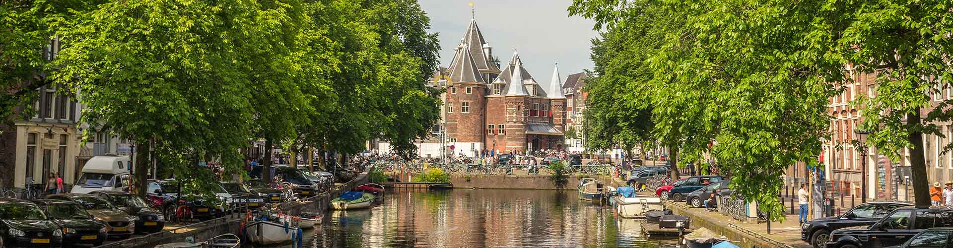 Amsterdam – Hostels close to Weigh House. Maps for Amsterdam, Photos and Reviews for each hostel in Amsterdam.