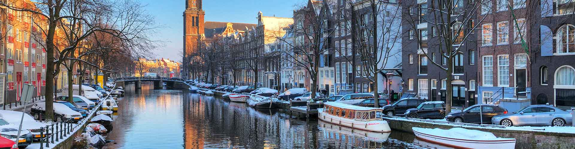 Amsterdam – Hostels close to Westerkerk. Maps for Amsterdam, Photos and Reviews for each hostel in Amsterdam.