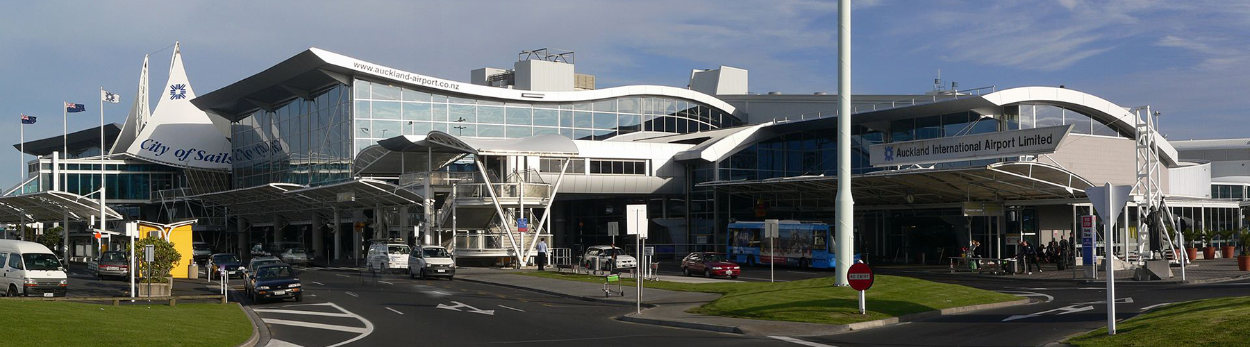 Auckland – Hostels close to Auckland Airport. Maps for Auckland, Photos and Reviews for each hostel in Auckland.