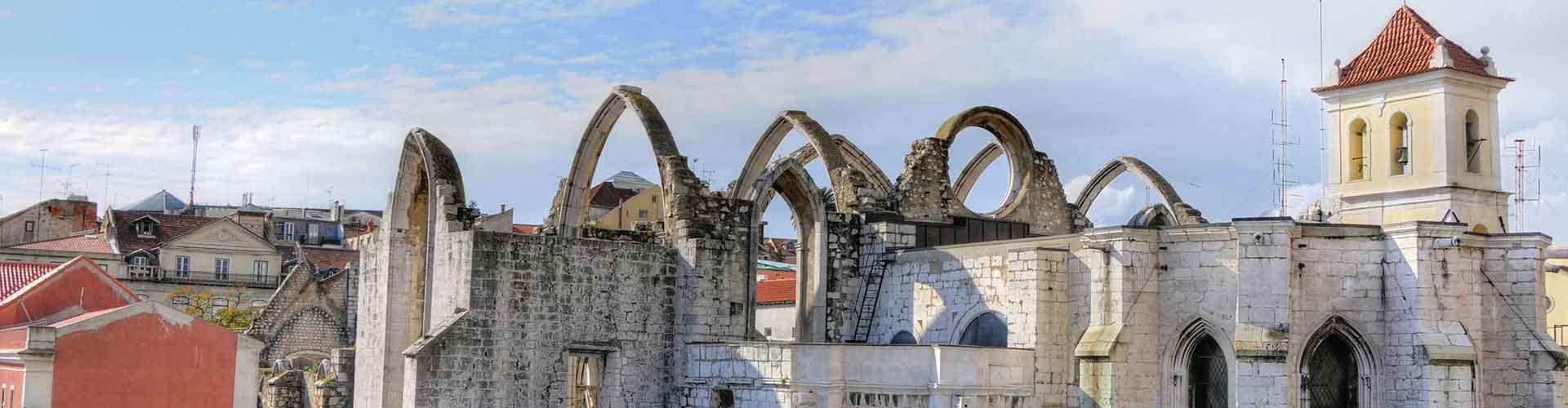 Lisbon – Hostels close to Carmo Convent. Maps for Lisbon, Photos and Reviews for each hostel in Lisbon.